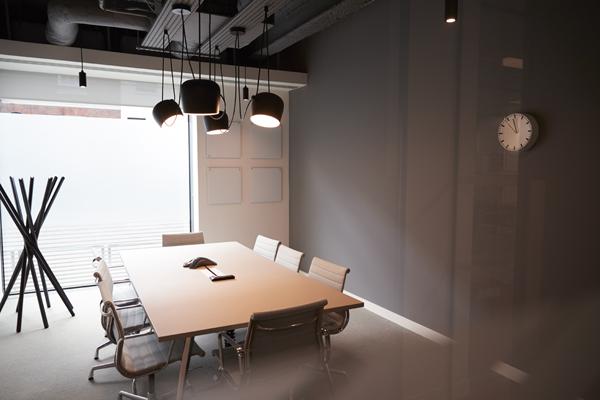 офисно осветление